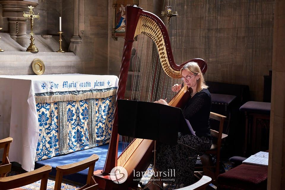 Xenia-Horne-Harpist
